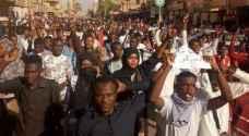 المجلس العسكري السوداني يبلغ وفد المعارضة بإلغاء القوانين المقيدة للحريات