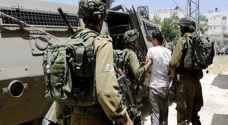 الاحتلال يعتقل 15 فلسطينيا بالضفة الغربية المحتلة