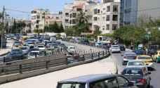 بالفيديو والصور .. أزمات مرورية خانقة في شوارع عمان عشية رمضان