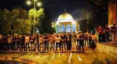 الآلاف يؤدون صلاة التراويح في المسجد الاقصى المبارك - صور