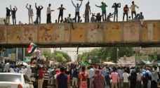 """قادة الاحتجاج في السودان يتهمون العسكريين بتعطيل نقل السلطة ويهددون ب""""عصيان مدني"""""""