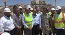 وزير الأشغال يشدد على ضرورة الالتزام بالبرامج الزمنية للمشاريع الإنشائية