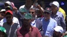 المزارعون يعلقون اعتصامهم أمام رئاسة الوزراء - فيديو