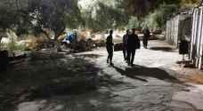الاحتلال يقتحم مصلى الرحمة في الأقصى ويفرغ جزءا من محتوياته -صور