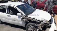 اصابتان بحادث تصادم مركبتين في الزرقاء