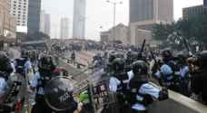 """رئيسة السلطة التنفيذية في هونغ كونغ: أعمال العنف تدفع المدينة """"على طريق اللاعودة"""""""