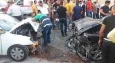 """حادث سير مفجع في نابلس .. وفاة طفل ووالده و 12 إصابة بينها مخطرة """"فيديو"""""""