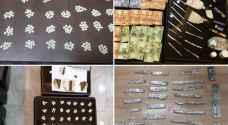 القبض على 62 شخصا من مروجي ومتعاطي المواد المخدرة - صور
