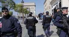مسلحون يهاجمون موقعا في ضاحية بباريس