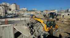 الاحتلال يخطر بوقف البناء بمنازل وبركسات جنوب غرب جنين
