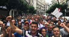 قائد الجيش الجزائري يتخذ إجراء جديدا لتقييد الحركة الاحتجاجية