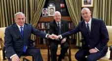 نتنياهو وغانتس يتفقان على تشكيل حكومة ويخرجان تل أبيب من مأزق سياسي