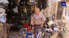 أقدم محل لتجارة الدراجات الهوائية يروي تاريخ وحضارة مدينة.. فيديو