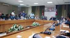التوقيع الرسمي للاتفاق بين الحكومة ونقابة المعلمين - فيديو