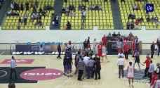 شغب جماهيري في مباراة الوحدات و الجبيهة في كأس الأردن لكرة السلة.. فيديو