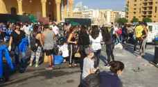 شاهد كيف ينظف اللبنانيون بيروت استعدادا لتظاهرات جديدة .. صور