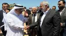 السفير القطري يصل غزة لتوزيع المال على أسر فقيرة