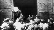 بعد 75 عاما.. ناجون من المحرقة النازية يلتقون سيدة يونانية أنقذتهم