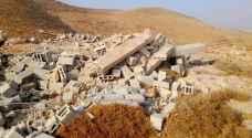 الاحتلال يسوي منزل عائلة فلسطينية بالأرض في طوباس .. صور