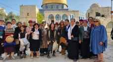 48 مستوطنًا يقتحمون المسجد الاقصى واندلاع مواجهات شمال نابلس