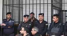 شاهد بالفيديو.. المستوطن الصهيوني كونستانتين كوتوف داخل قفص الاتهام في محكمة أمن الدولة