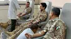 ولي العهد في المدينة الطبية برفقة أفراد من سلاح الجو الملكي - صور
