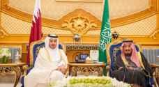 استقبال حار من الملك سلمان لرئيس وزراء قطر في قمة مجلس التعاون - فيديو