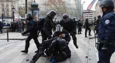 القضاء الفرنسي يحاكم  عنصرين من شرطة مكافحة الشغب