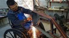 جلال أبو حية فلسطيني يتحدى الإعاقة.. الحاجة أم الاختراع (صور)
