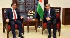 الداوود يبحث مع رئيس الوزراء الفلسطيني العلاقات الثنائيّة