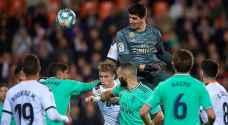 ريال مدريد يواجه فالنسيا في نصف نهائي السوبر الإسباني