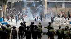 اصابة فلسطيني بجراح خطيرة بعد اطلاق النار عليه من قبل الاحتلال
