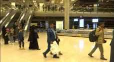 وصول طائرة تقل 24 مريضا يمنيا الى عمان لتلقي العلاج