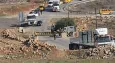 الاحتلال يغلق البوابة الحديدية على مدخل قرية النبي صالح