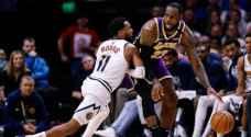 ليكرز يتغلب على ناغياس في قمة مباريات المنطقة الغربية لكرة السلة الامريكية