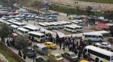 """إضراب """"الكوستر"""" يربك حركة الأردنيين ويعقد تنقلهم في عمّان والمحافظات """"صور وفيديو"""""""