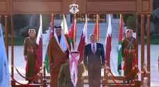 الملك يستقبل أمير قطر في مطار الملكة علياء.. صور وفيديو