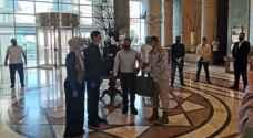 هدية ملكية لعريس أردني وعروسته تزوجا بأحد فنادق الحجر الصحي - فيديو