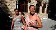 رئيس دولة أفريقية يعاقب وزيرة لمخالفتها إجراءات العزل الصحي