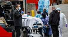 عدد الوفيات في العالم بفيروس كورونا يتخطى مئة ألف
