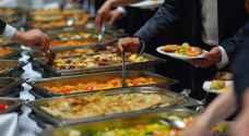 الحكومة تنشر الشروط الواجب على المطاعم تطبيقها من أجل تقديم خدماتها للمستهلكين.. تفاصيل