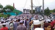 الآلاف يتحدون الإغلاق حظر التجول في بنغلادش لحضور جنازة