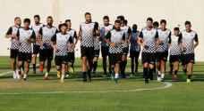 نجوم الكرة الأردنية يعودون لتدريباتهم الفردية بالهواء الطلق