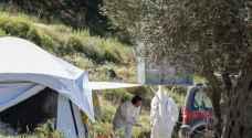 اليونان تمدد إجراءات العزل في مخيمات اللاجئين حتى 7 حزيران المقبل