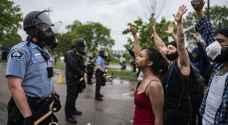 بايدن يدين العنف بتظاهرات الولايات الأمريكية