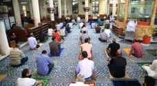 الأردنيون يؤدون ثاني صلاة جمعة بعد رفع الحظر الشامل ..واستمرار إغلاق مصليات النساء - صور