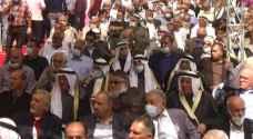 """أهالي الخليل يعقدون صلحا عشائريا بحضور الآلاف وسط تفشي كورونا """"فيديو"""""""