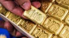 سعر أونصة الذهب عالميا يتجاوز 1800 دولار للمرة الأولى منذ عام 2011