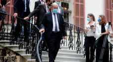 مسؤول لبناني يكتشف إصابته بكورونا خلال غداء مع وزير خارجية فرنسا