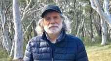 مارسيل خليفة ينشر صورة له من غابة الأشباح المتناثرة